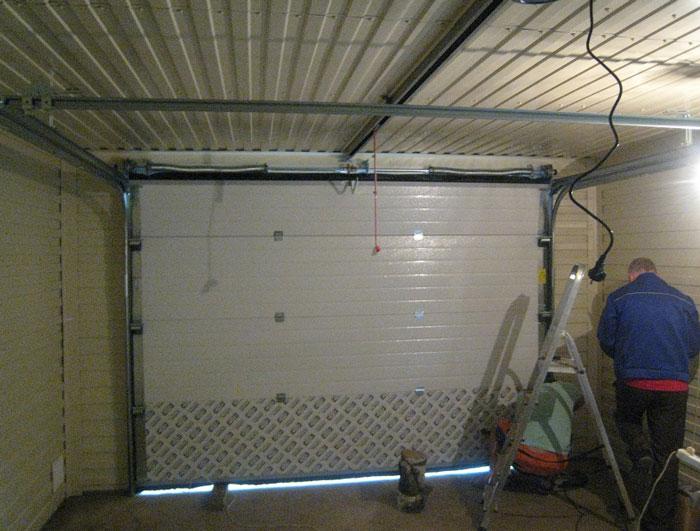 Установка автоматических гаражных ворот своими руками