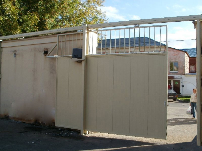 Как сделать навесные откатные ворота своими руками