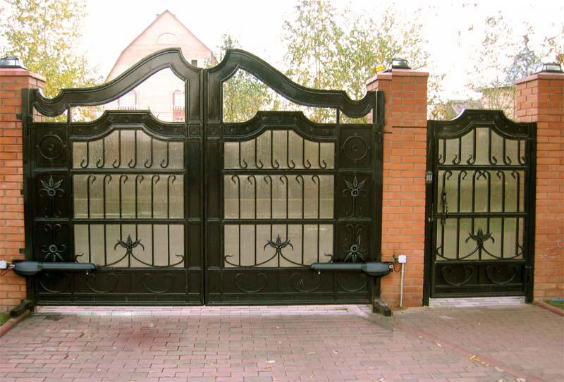 Рисунок на ворота во двор